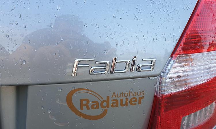 94301_1406428141797_slide bei Autohaus Radauer in