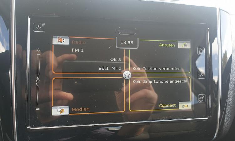 95197_1406430377355_slide bei Autohaus Radauer in