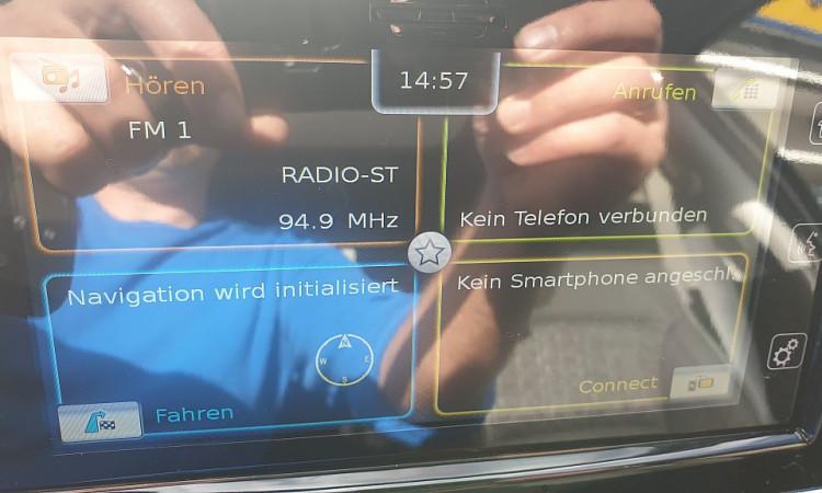 96492_1406432507293_slide bei Autohaus Radauer in