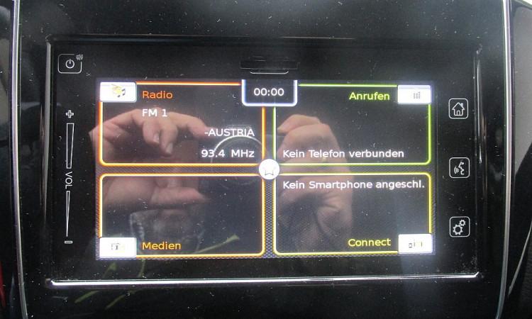 97587_1406434171247_slide bei Autohaus Radauer in