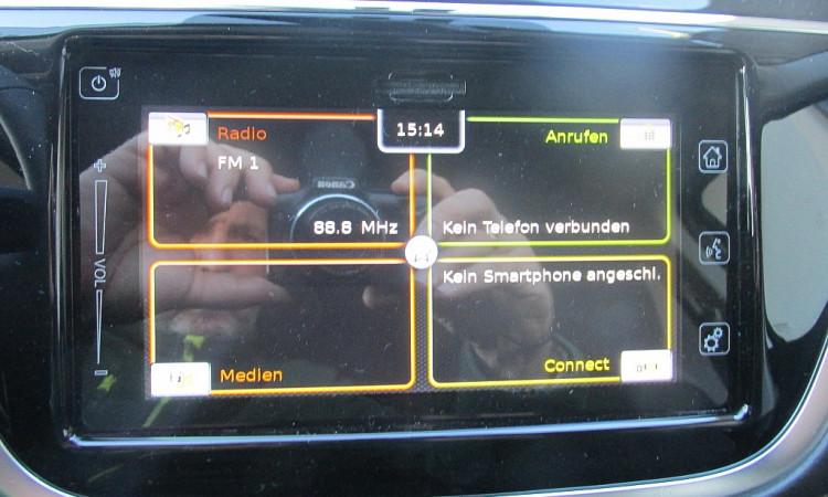 99406_1406438492585_slide bei Autohaus Radauer in