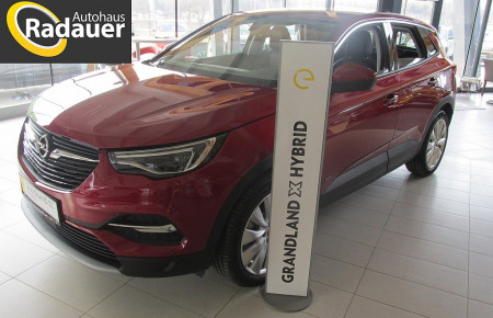 Opel Grandland X Innovation Plug-In-Hybrid AT8 4WD bei Autohaus Radauer in