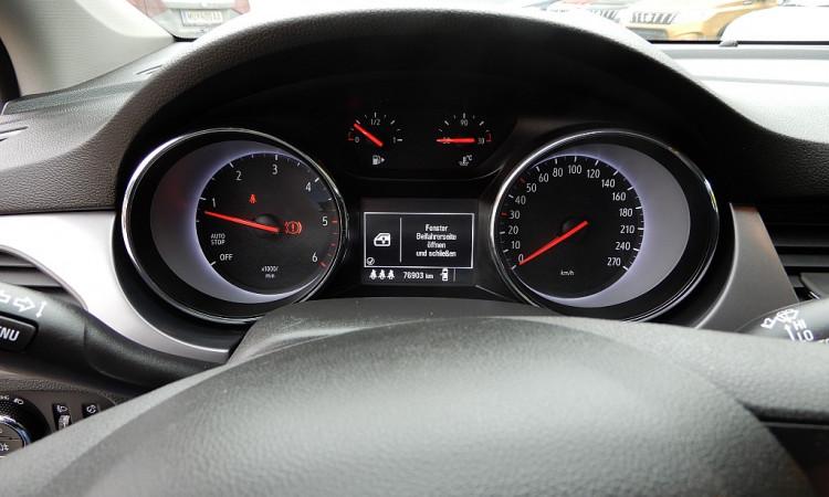 100853_1406443041461_slide bei Autohaus Radauer in