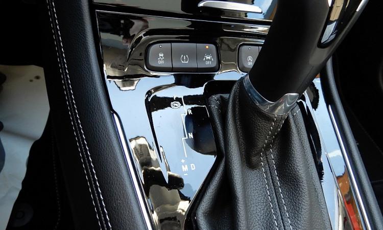 99060_1406438365469_slide bei Autohaus Radauer in