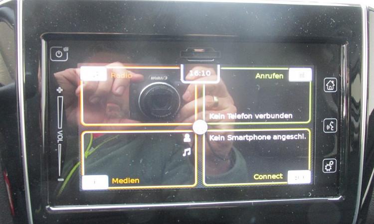 101361_1406444459017_slide bei Autohaus Radauer in