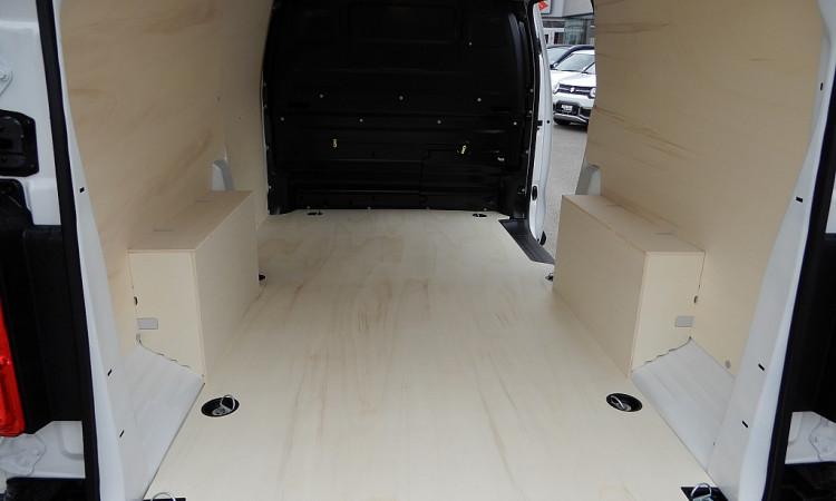 101362_1406444448727_slide bei Autohaus Radauer in