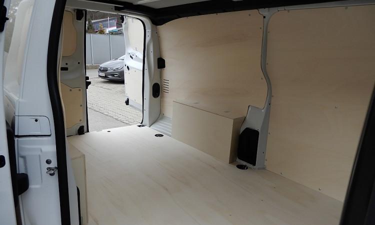 101362_1406444448737_slide bei Autohaus Radauer in