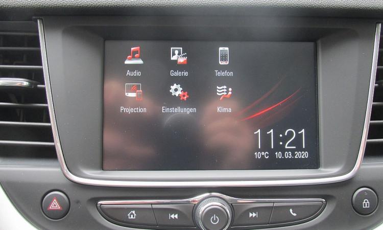 99061_1406445207999_slide bei Autohaus Radauer in