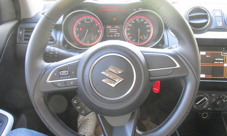 103712_1406459931779_slide bei Autohaus Radauer in