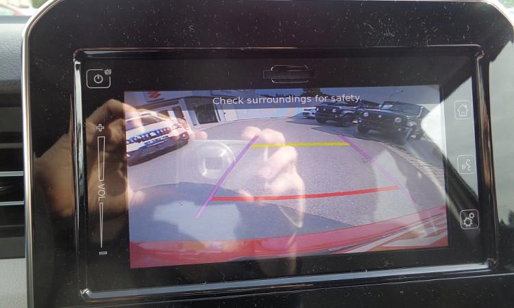 103859_1406459765335_slide bei Autohaus Radauer in