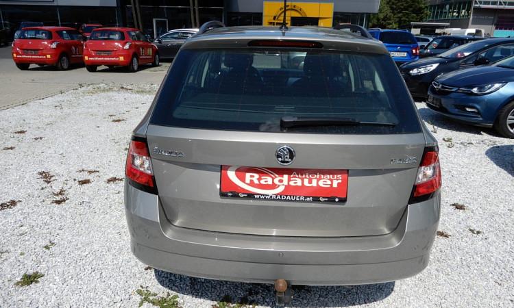 104191_1406460626703_slide bei Autohaus Radauer in