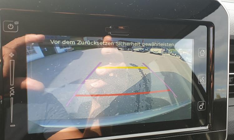 104864_1406463297801_slide bei Autohaus Radauer in