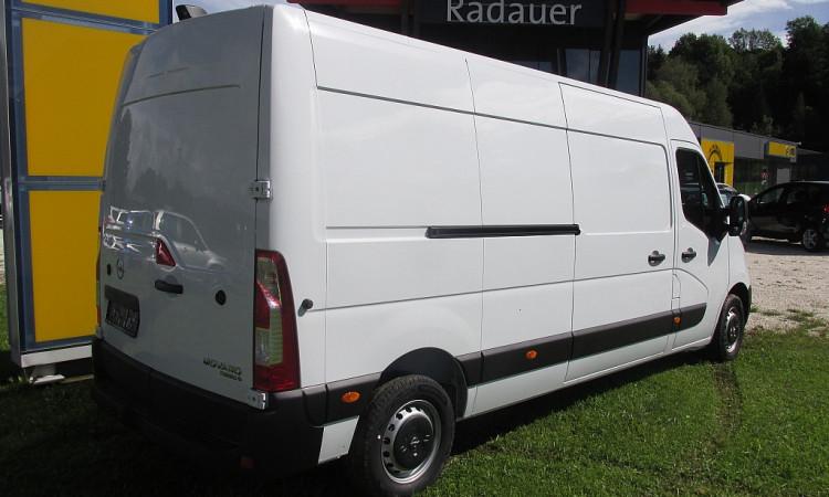 105037_1406470344917_slide bei Autohaus Radauer in