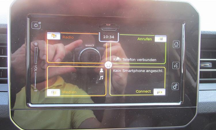 107106_1406472601799_slide bei Autohaus Radauer in