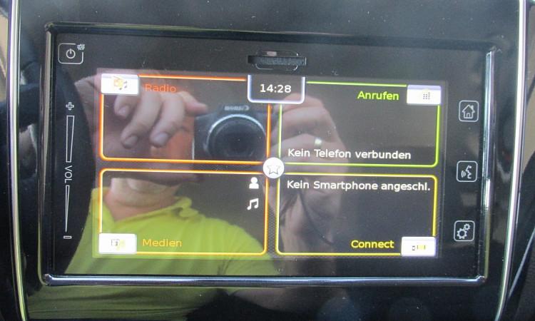 107252_1406473300729_slide bei Autohaus Radauer in