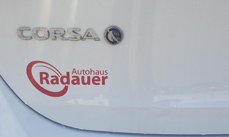 103752_1406463315459_slide bei Autohaus Radauer in