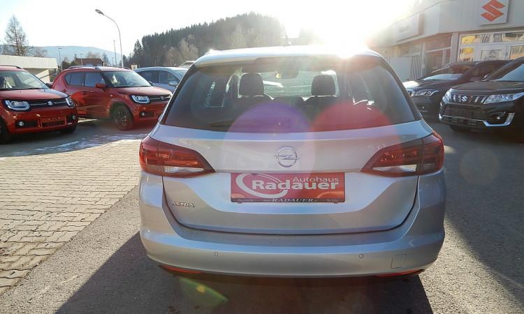 104080_1406438392179_slide bei Autohaus Radauer in