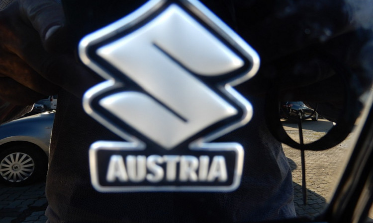 108935_1406479625097_slide bei Autohaus Radauer in