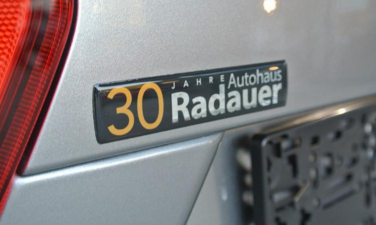 109593_1406482346839_slide bei Autohaus Radauer in