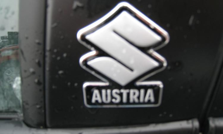 110280_1406484729602_slide bei Autohaus Radauer in