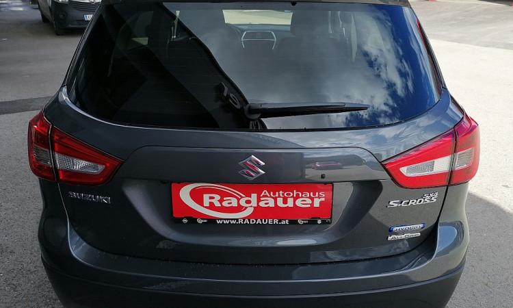 114683_1406492788158_slide bei Autohaus Radauer in