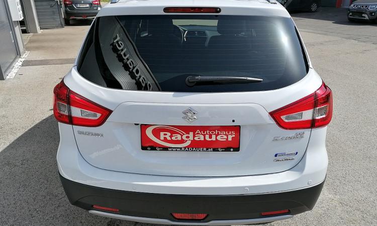 120298_1406500713337_slide bei Autohaus Radauer in