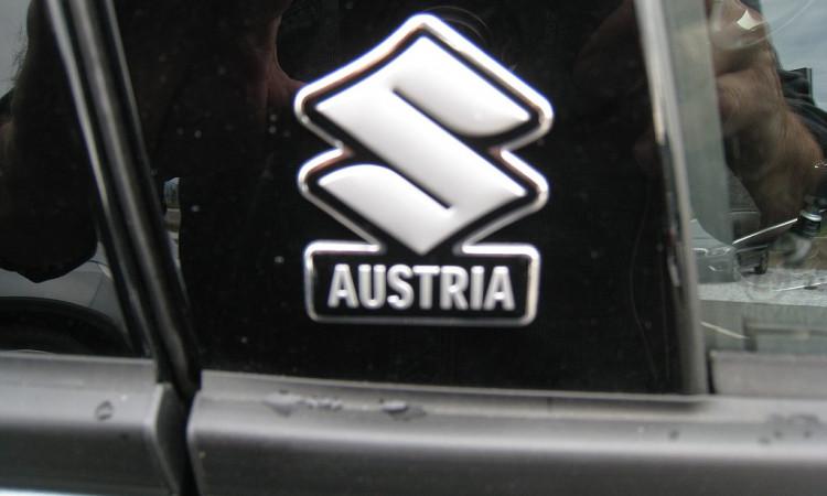 123015_1406506016361_slide bei Autohaus Radauer in